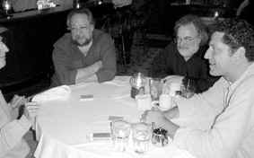 Ricky Jay, Steve Freeman e Michael Weber dopo una sessione di Verbal Magic