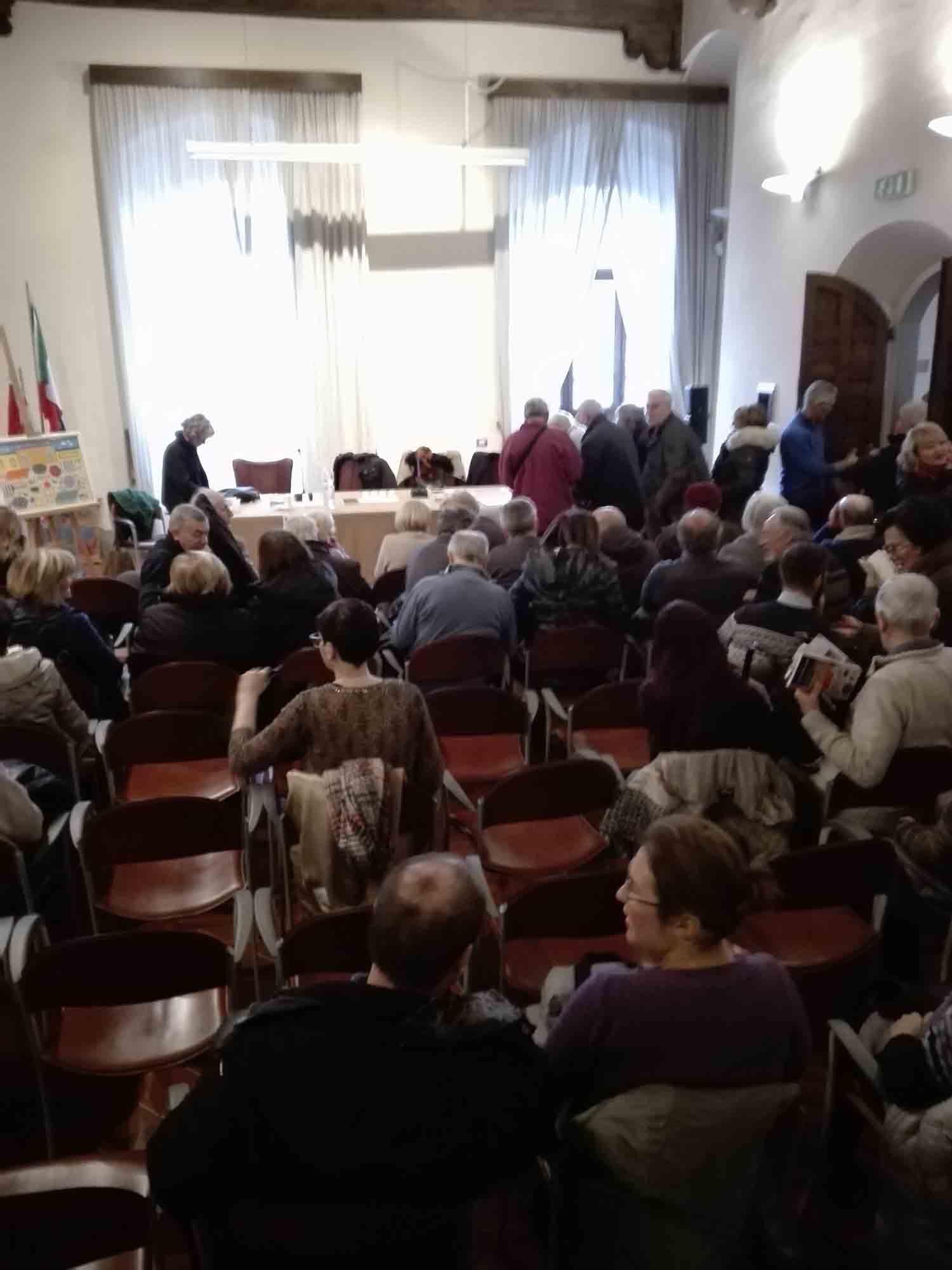 Il pubblico alla presentazione di Sandrucci